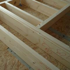Holzhaus&Lehm - Durch den CNC-gesteuerten Abbund und den hohen Vorfertigungsgrad wird die hohe Qualität sicher gestellt.
