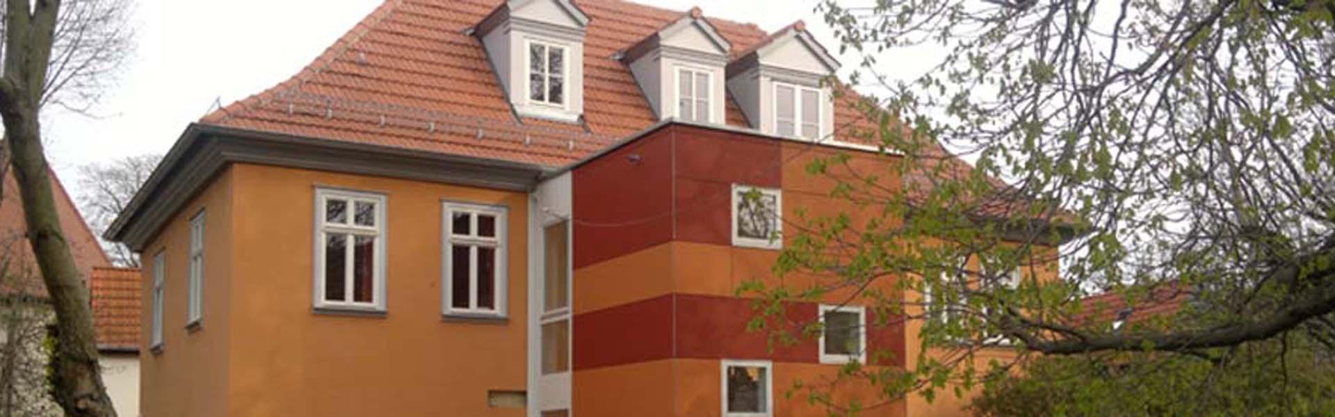 treppenhaus f r kindergarten th ringer holzhaus. Black Bedroom Furniture Sets. Home Design Ideas